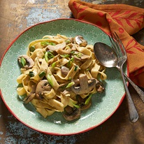 Creamy Pesto Fettuccine With Mushrooms